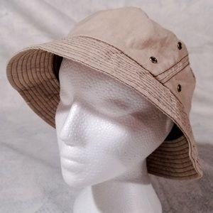 Arnold Palmer Beige Vented   Lined Bucket Hat 2a60badac849